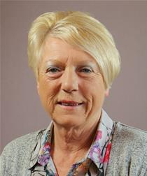 Profile image for Councillor Pauline Crathorne
